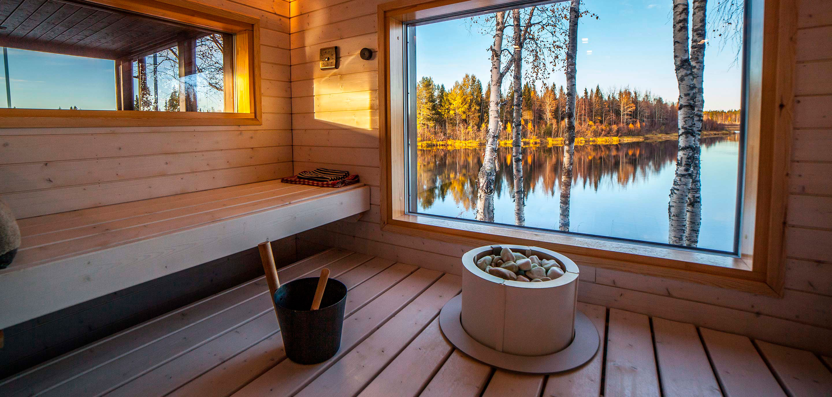 arctic-dreams-house-lapland-luxury-hotel-sauna-view